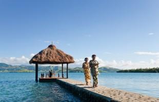 Fiji - floating Dining pontoon