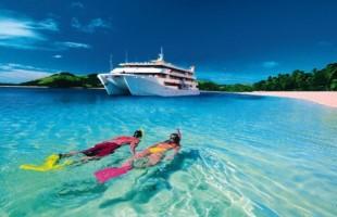Fiji snorkle & big yacht