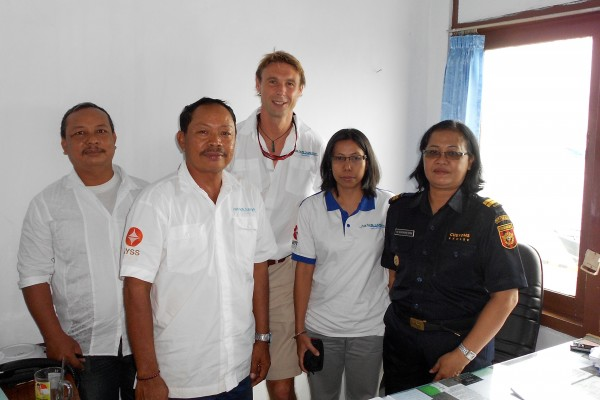 Richard Lofthouse & APS staff with Indonesia Customs Officials