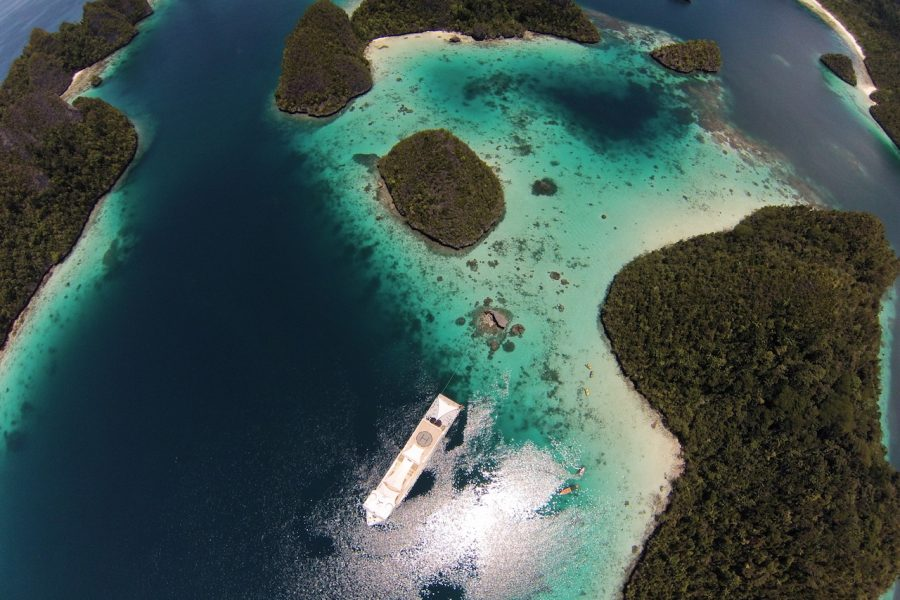 Raja Ampat & Superyachts cruising